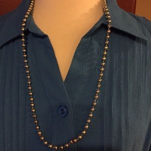 """Jewelry - 🔴 Silver necklace, 16"""" long."""